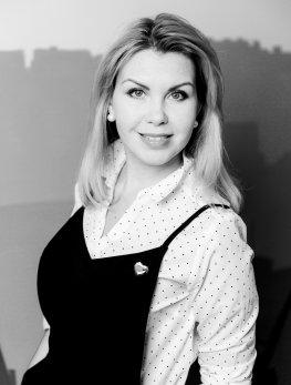 Катя Новикова - Журналист